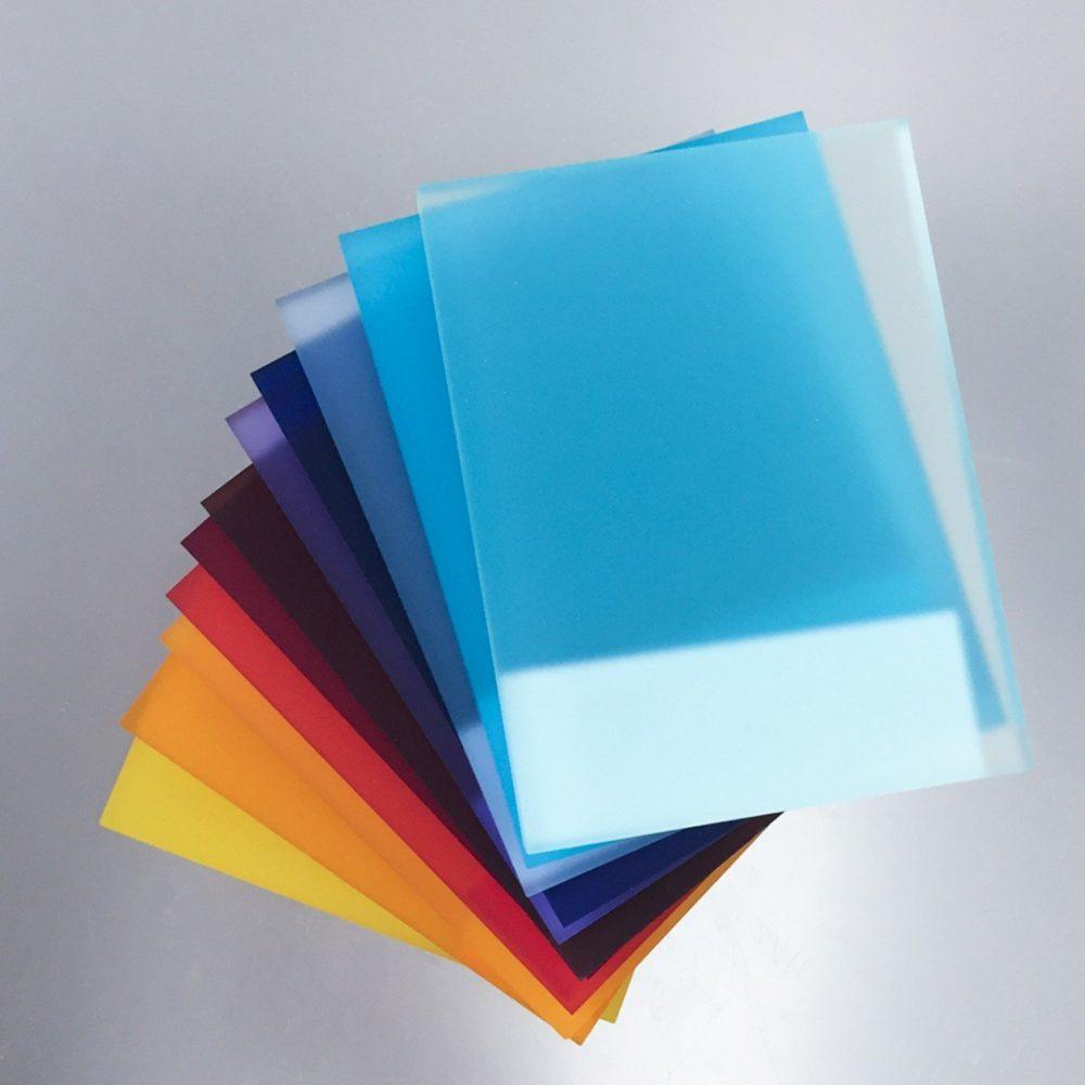 Stampa digitale e grande formato - progettazione grafica - taglio e fustelle - lavori litografici - stampa su legno vetro e plexiglas, litografia, 3D